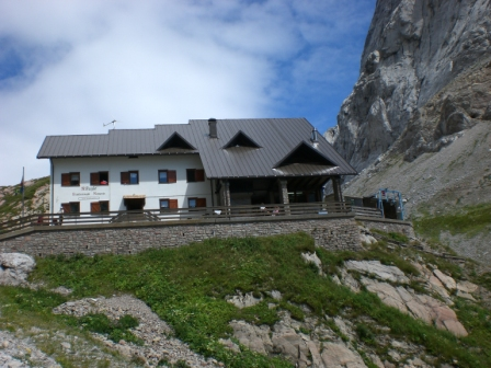 Foto: dobratsch11 / Klettersteig Tour / Weg der 26er / Lambertenghi Hütte / 16.08.2007 21:28:15
