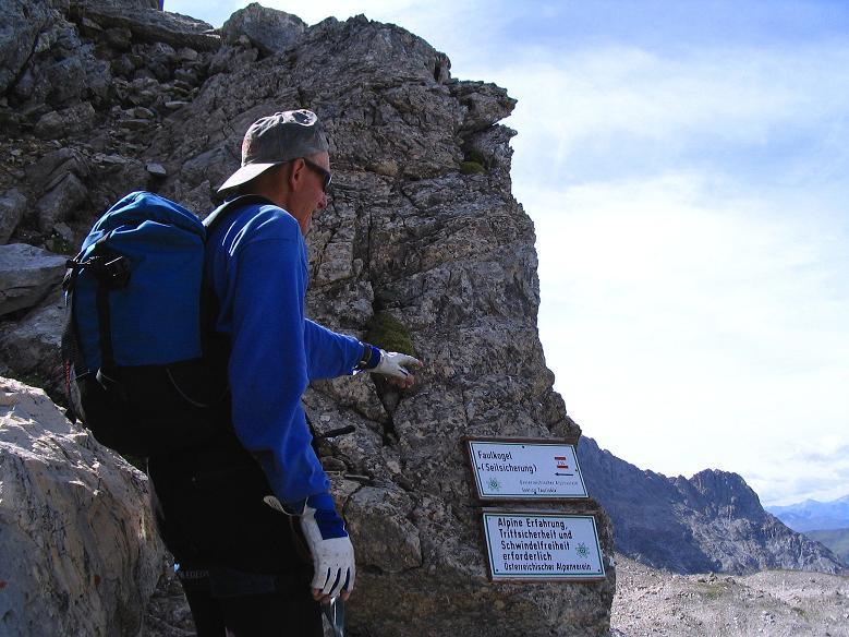 Foto: Andreas Koller / Wander Tour / Über die Franz Fischer Hütte auf den Faulkogel (2654 m) / Am Einstieg zur Rinne mit den Klettersteig ähnlichen Passagen / 17.08.2007 11:02:04