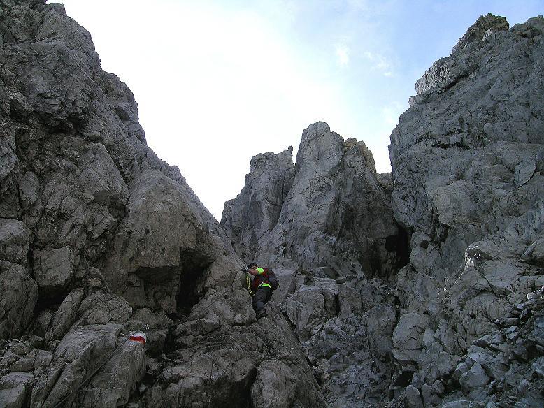 Foto: Andreas Koller / Wander Tour / Über die Franz Fischer Hütte auf den Faulkogel (2654 m) / Bei der Schlüsselstelle: dem Kamin / 17.08.2007 11:01:07