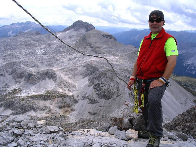 Foto: Andreas Koller / Wander Tour / Über die Franz Fischer Hütte auf den Faulkogel (2654 m) / Am Faulkogelgipfel mit Blick auf das Mosermandl (2680 m) / 17.08.2007 10:58:36