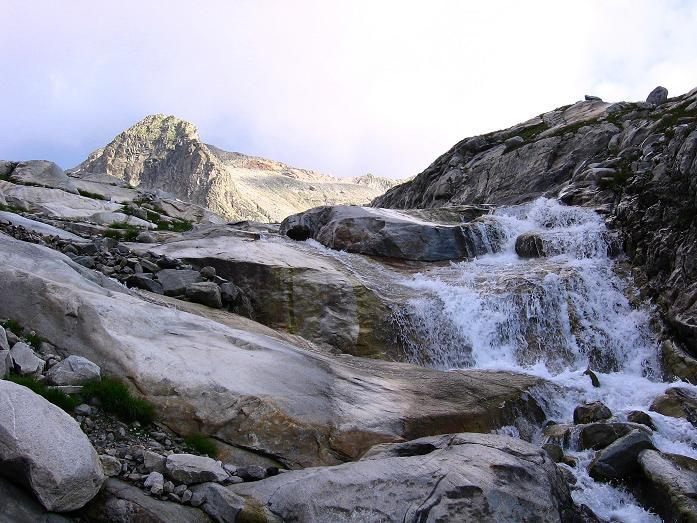 Foto: Andreas Koller / Wander Tour / Kombinierte Tour auf die Granatspitze (3086 m) / Im Anstieg zum Sonnblickkees mit Blick auf die Hohe Fürlegg (2947 m) / 17.08.2007 13:04:05
