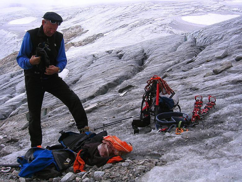 Foto: Andreas Koller / Wander Tour / Kombinierte Tour auf die Granatspitze (3086 m) / Die Eisausrüstung darf wieder eingepackt werden / 17.08.2007 12:57:29
