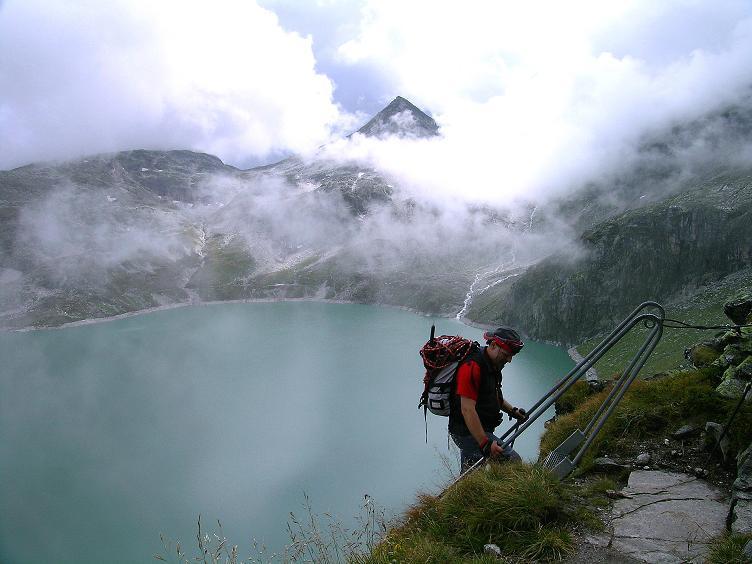 Foto: Andreas Koller / Wander Tour / Kombinierte Tour auf die Granatspitze (3086 m) / Abstieg am versicherten H. Gruber Weg / 17.08.2007 12:56:17