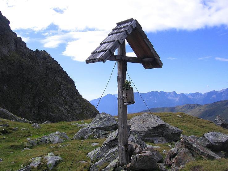 Foto: Andreas Koller / Wander Tour / Von Osttirol nach Kärnten auf den Kruckelkopf (3181 m)  / In der Unteren Seescharte gegen die Lienzer Dolomiten / 18.08.2007 13:23:15