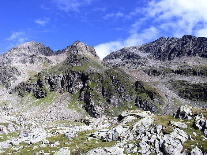 Foto: Andreas Koller / Wander Tour / Von Osttirol nach Kärnten auf den Kruckelkopf (3181 m)  / Links die Perschitzköpfe (3125 m), rechts der Kruckelkopf / 18.08.2007 13:22:31