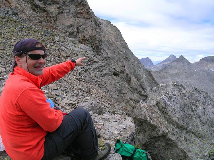 Foto: Andreas Koller / Wander Tour / Von Osttirol nach Kärnten auf den Kruckelkopf (3181 m)  / Gipfelstudium In der Perschitzscharte / 18.08.2007 13:20:41