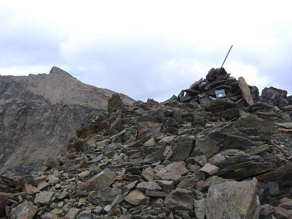 Foto: Andreas Koller / Wander Tour / Von Osttirol nach Kärnten auf den Kruckelkopf (3181 m)  / Nachbarberg Petzeck (3283 m) vom Kruckelkopf / 18.08.2007 13:16:03