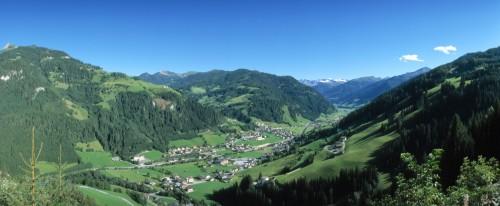 Foto: Kloiber Gabi / Wander Tour / Panoramawanderweg von Großarl nach Hüttschlag / Panoramansicht Großarltal / 23.08.2007 14:54:33