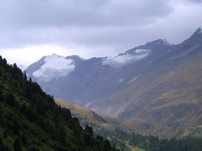 Foto: Andreas Koller / Wander Tour / Spritztour über Obergurgl auf den Festkogel (3038 m) / Blick in den Talschluss der Gurgler Tales mit Großem Ramolkogel (3550 m) / 30.08.2007 00:14:46