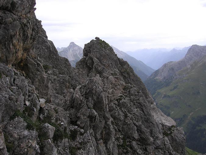 Foto: Andreas Koller / Klettersteig Tour / Karhorn - Klettersteig (2416 m) / Blick vom Grat Richtung Biberkopf (2599 m) / 30.08.2007 02:40:06