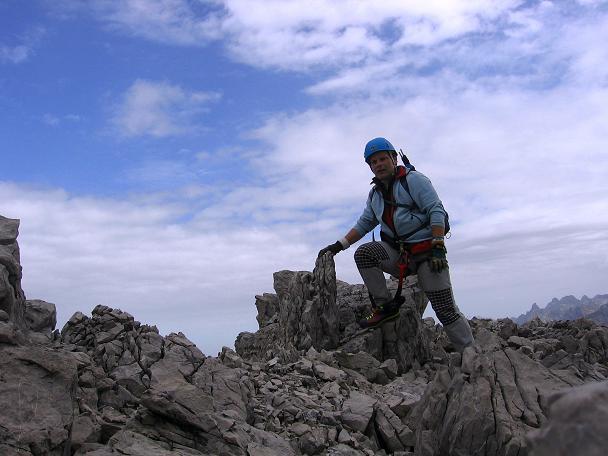 Foto: Andreas Koller / Klettersteig Tour / Karhorn - Klettersteig (2416 m) / Der kurze Felsgrat zum Karhorn / 30.08.2007 02:36:49
