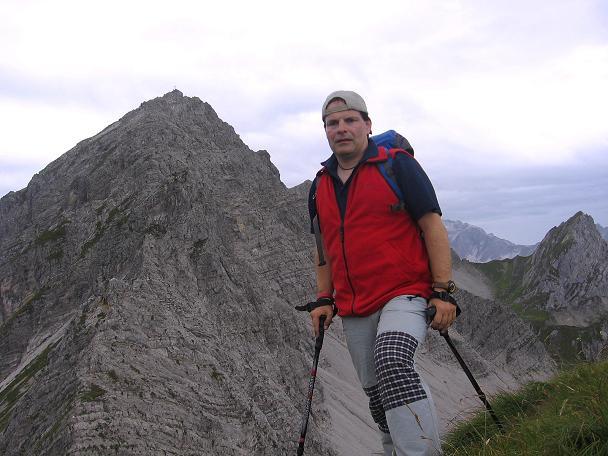 Foto: Andreas Koller / Klettersteig Tour / Karhorn - Klettersteig (2416 m) / Blick vom Warther Horn auf den Karhorn O-Grat / 30.08.2007 02:32:36