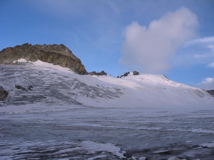 Foto: Andreas Koller / Wander Tour / Dammastock (3630m) - Hauptgipfel der Urner Alpen / Rhonegletscher im Morgenlicht / 30.08.2007 04:56:30
