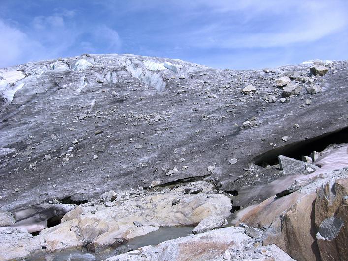 Foto: Andreas Koller / Wander Tour / Dammastock (3630m) - Hauptgipfel der Urner Alpen / Der steile Eisbruch des Rhonegletschers / 30.08.2007 04:45:09