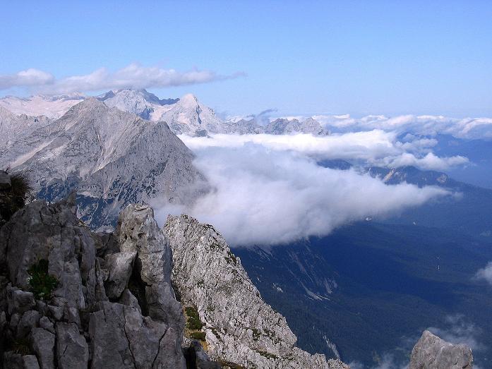 Foto: Andreas Koller / Klettersteig Tour / Karwendel- und Mittenwalder Klettersteig (2384m) / Blick auf die Zugspitze (2963 m) / 31.08.2007 23:17:48