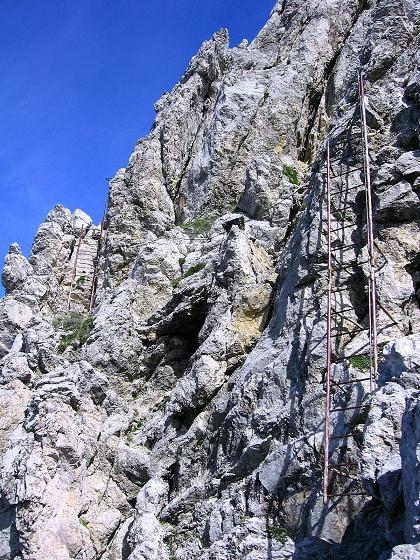 Foto: Andreas Koller / Klettersteig Tour / Karwendel- und Mittenwalder Klettersteig (2384m) / Viele Leitern auf den Linderspitzen / 31.08.2007 23:15:43