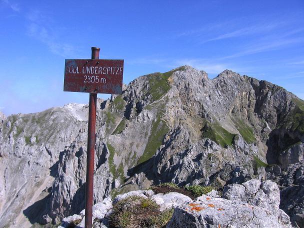 Foto: Andreas Koller / Klettersteig Tour / Karwendel- und Mittenwalder Klettersteig (2384m) / Am Gipfel der Südlichen Linderspitze / 31.08.2007 23:13:39