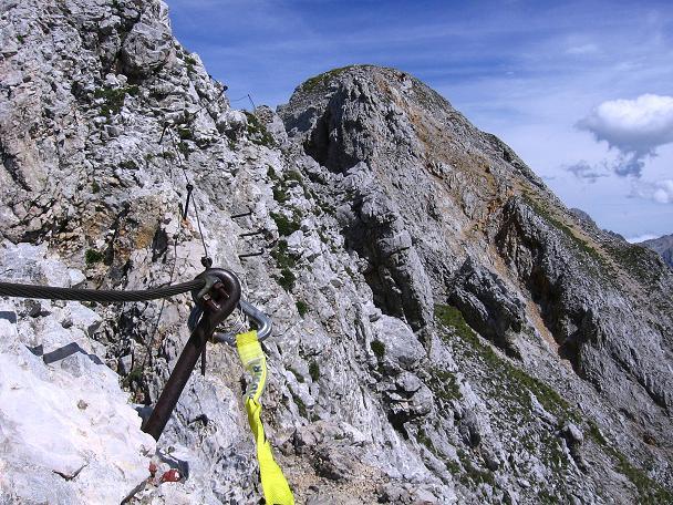 Foto: Andreas Koller / Klettersteig Tour / Karwendel- und Mittenwalder Klettersteig (2384m) / Abstieg von der Sulzleklammspitze und Querung zur Kirchlspitze / 31.08.2007 23:09:34