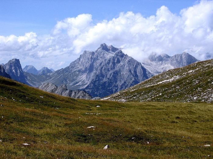 Foto: Andreas Koller / Klettersteig Tour / Karwendel- und Mittenwalder Klettersteig (2384m) / Im W grüßt die Zugspitze / 31.08.2007 23:08:39