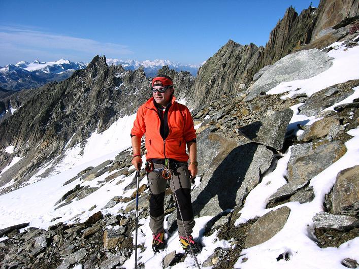 Foto: Andreas Koller / Wander Tour / Über den SO-Sporn auf den Galenstock (3586m) / Am SO-Sporn beim Einstieg in die Felskletterei / 01.09.2007 13:20:16