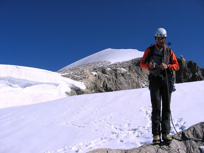 Foto: Andreas Koller / Wander Tour / Über den SO-Sporn auf den Galenstock (3586m) / Ausstieg vom SO-Sporn mit dem überfirnten S-Grat / 01.09.2007 13:18:24