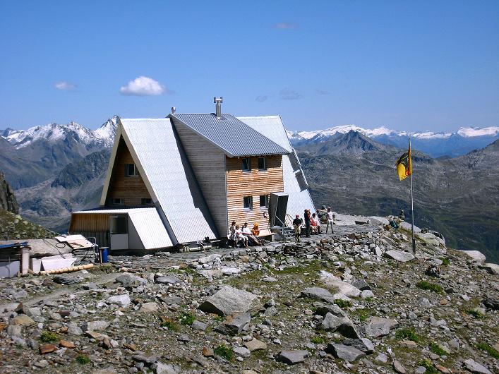Foto: Andreas Koller / Wander Tour / Über den SO-Sporn auf den Galenstock (3586m) / Die gemütliche Sidelenhütte / 01.09.2007 13:11:30