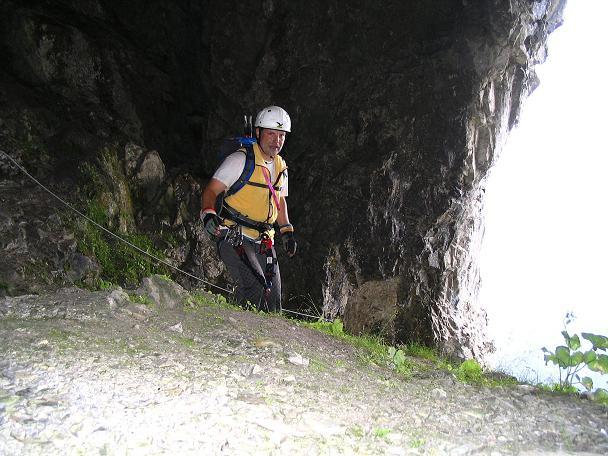 Foto: Andreas Koller / Klettersteig Tour / Wildfrauensteig von der Ardningalm (1992 m) / In der Wildfrauenhöhle / 03.09.2007 20:10:25