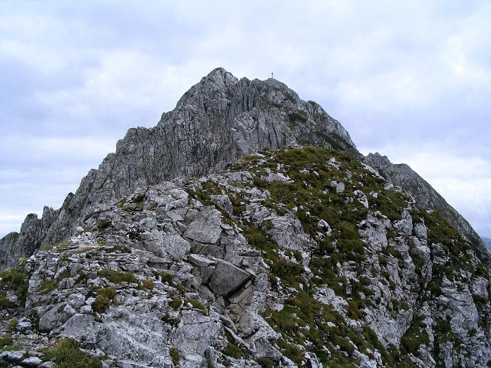 Foto: Andreas Koller / Klettersteig Tour / Wildfrauensteig von der Ardningalm (1992 m) / Der Gipfelaufbau des Bosruck / 03.09.2007 20:08:57