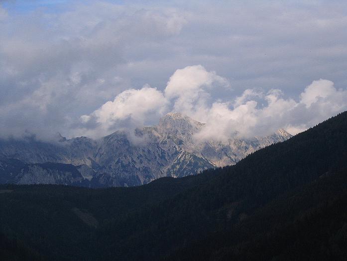 Foto: Andreas Koller / Klettersteig Tour / Wildfrauensteig von der Ardningalm (1992 m) / Blick auf den Hexenturm (2174 m) in den Haller Mauern / 03.09.2007 20:00:37
