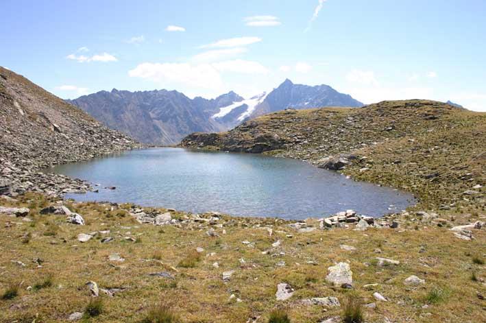 Foto: manni78 / Wander Tour / Über den Narrenkogel und das Gruejoch zur Gubener Hütte / Gruesee (wer Glück sieht darin sogar die Fische *g*) / 06.09.2007 13:46:28