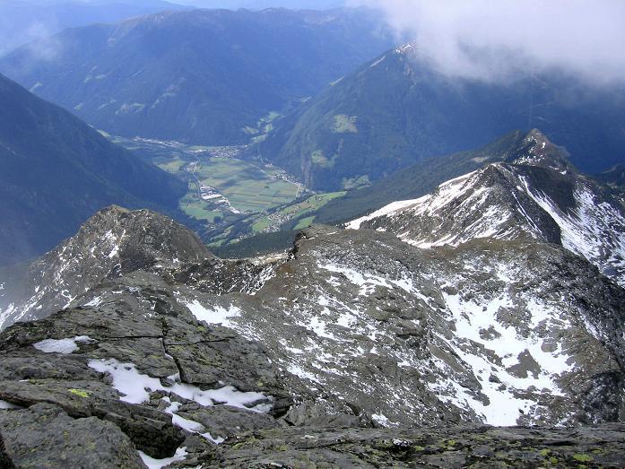 Foto: Andreas Koller / Wander Tour / Großer Moosstock (3061 m) / Blick über den Anstiegsgrat in das Tauferer Tal / 10.09.2007 03:06:18